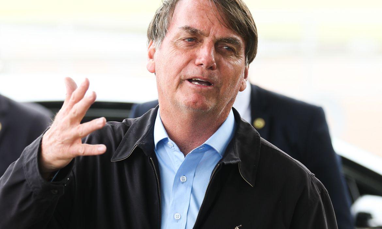 Bolsonaro afirma que Governo não irá interferir no preço dos combustíveis
