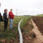Secretária Estadual da Agricultura vistoria obras na Barragem do Capané